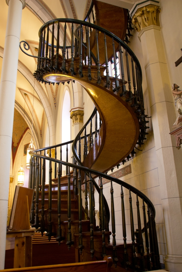 Loretto chapel spiral staircase naturetime for Double curved staircase