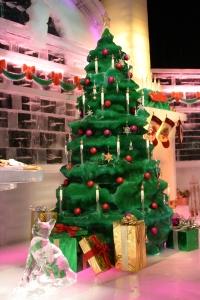 Ice Christmas Tree with Kitty