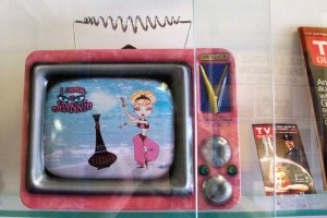 """I Dream of Jeannie"" Display Lunchbox"