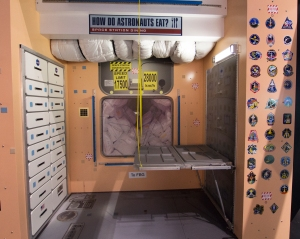 astronauts sleeping compartment - photo #49