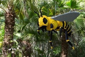 LEGO Flying Bee