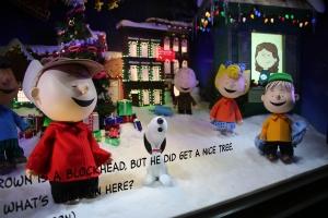 Macy's Peanuts Window 1