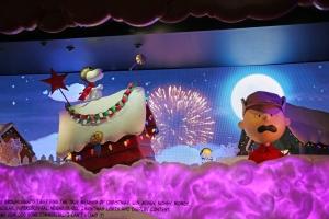 Macy's Peanuts Window 6