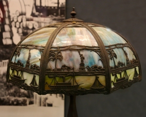 Statue of Liberty Themed Glass Lampshade