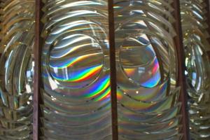 Prismatic Colors of Fresnel Lens