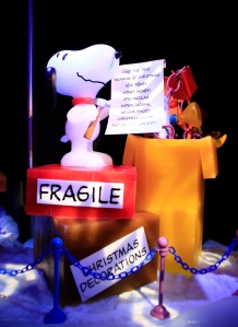 Snoopy and Christmas Decoration Contest